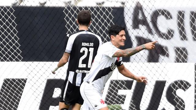 Cano, do Vasco, comemora gol contra o Botafogo