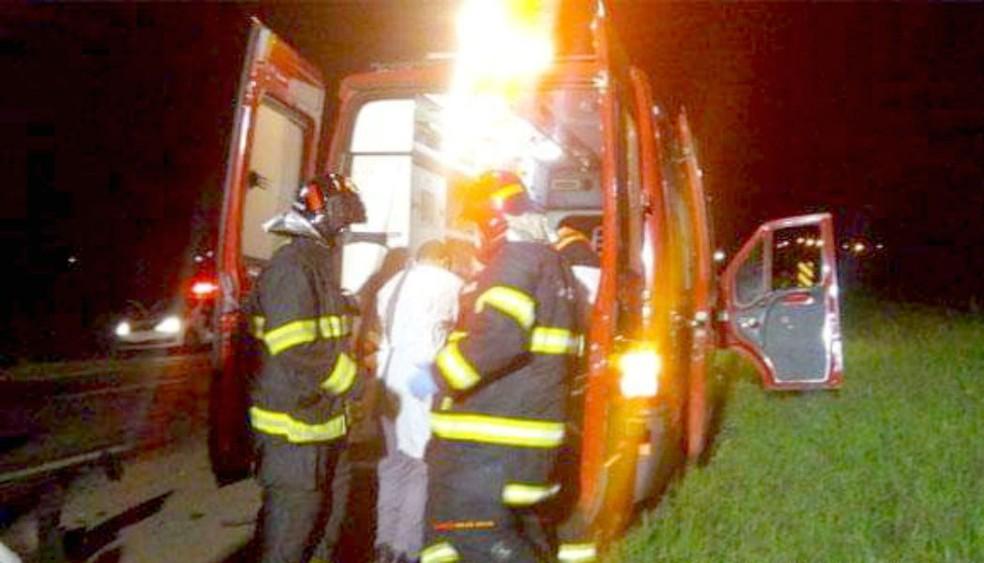 Comerciante de Bastos foi socorrido e levado ao PS da cidade, e depois transferido a hospital em Marília — Foto: Valdecir Luís/Divulgação