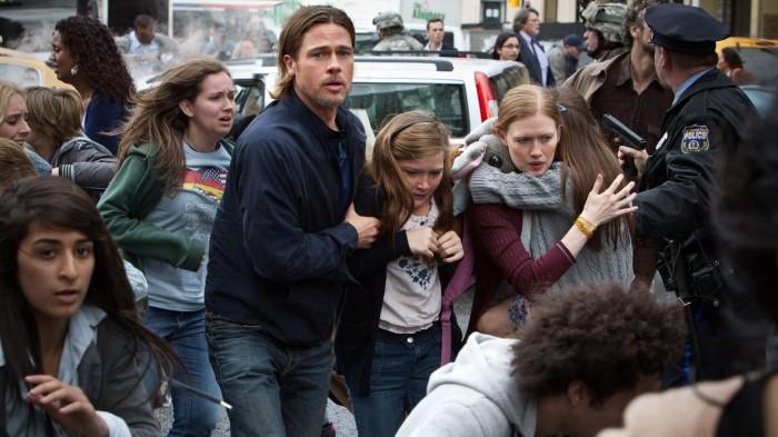 Brad Pitt tenta salvar o mundo em Guerra Mundial Z (Foto: Divulgação)