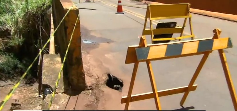 Rachaduras e buracos em ponte preocupam moradores de bairro rural de Araraquara