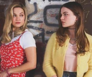 Chiara Aurelia e Olivia Holt em 'Cruel summer'   Amazon