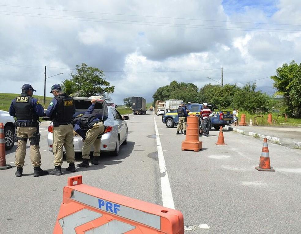 PRF realizou a 'Operação Independência' nas estradas federais que cortam Pernambuco (Foto: Ascom PRF/Divulgação)