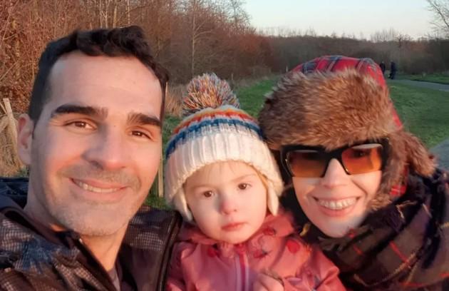 Atleta de triatlo, Ralf, do 'BBB' 9, vive em Londres com a mulher e a filha (Foto: Reprodução)