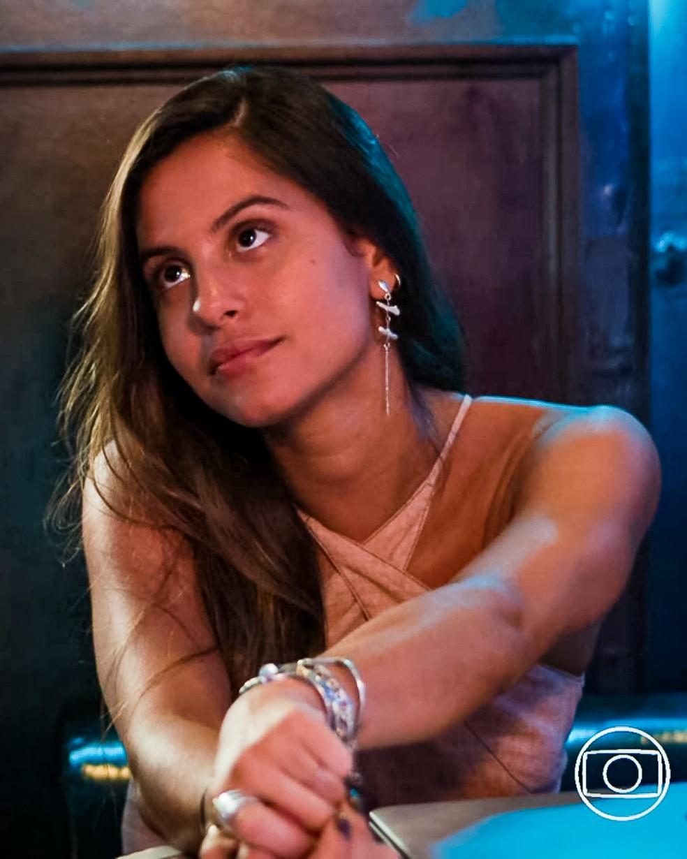 Leila (Jade Cardozo) garante que descobriu o ponto fraco de Lara (Rosanne Mulholland) em 'Malhação - Toda Forma de Amar' — Foto: Globo