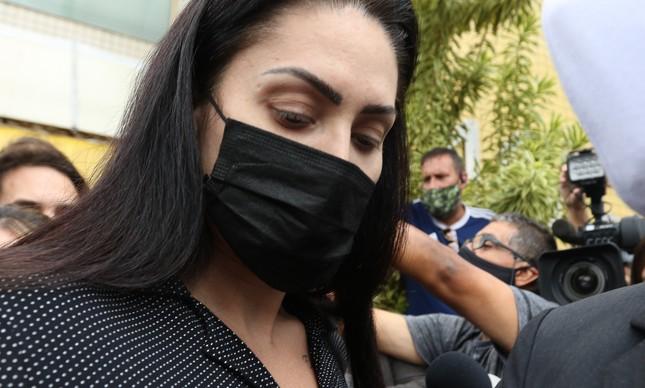 Monique Medeiros da Costa, acusada de matar ao lado do namorado, dr.Jairinho, o filho Henry era funcionária emprestada do TCE