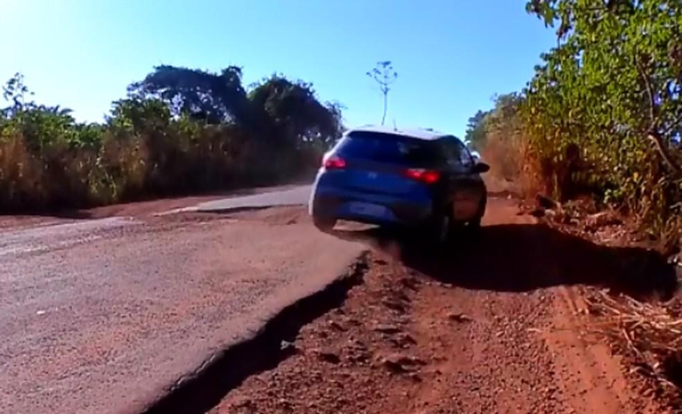 Más condições da rodovia tem causado prejuízos aos motoristas — Foto: Reprodução/TVCA