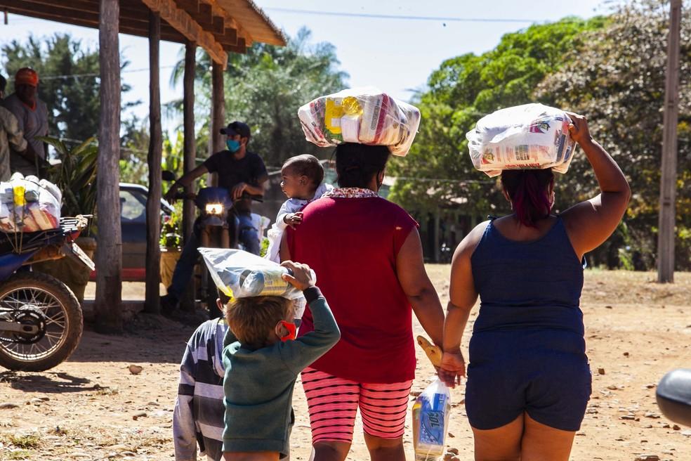 Famílias precisam de ajuda para se alimentar em MT — Foto: João Reis/Setasc-MT