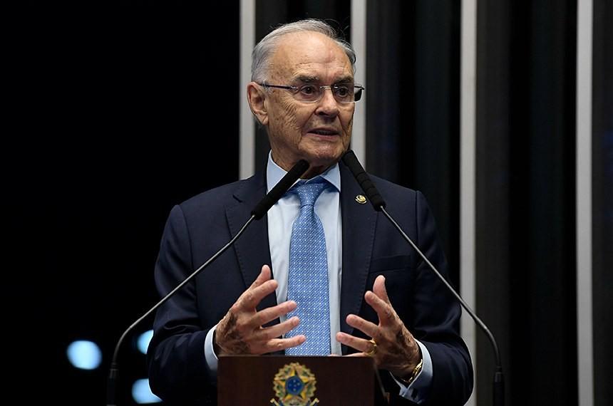Senador morto por Covid, Arolde de Oliveira defendia uso de cloroquina e era contra o isolamento