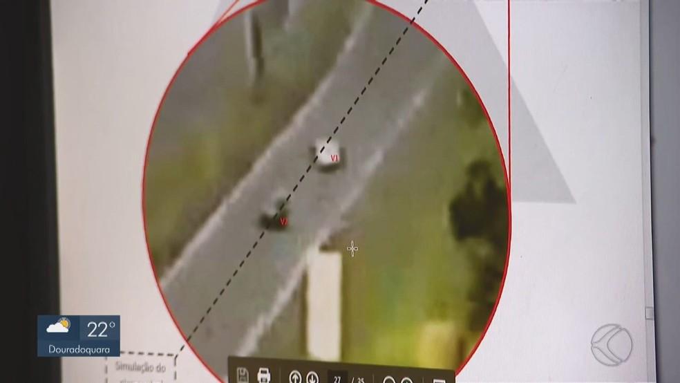 Imagens ajudaram na análise para conclusão do laudo; jovem é vista dirigindo de forma irregular — Foto: Reprodução/TV Integração