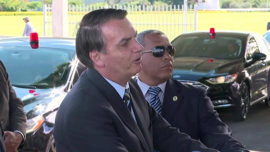 Bolsonaro diz que cultura tem que estar de acordo com a maioria