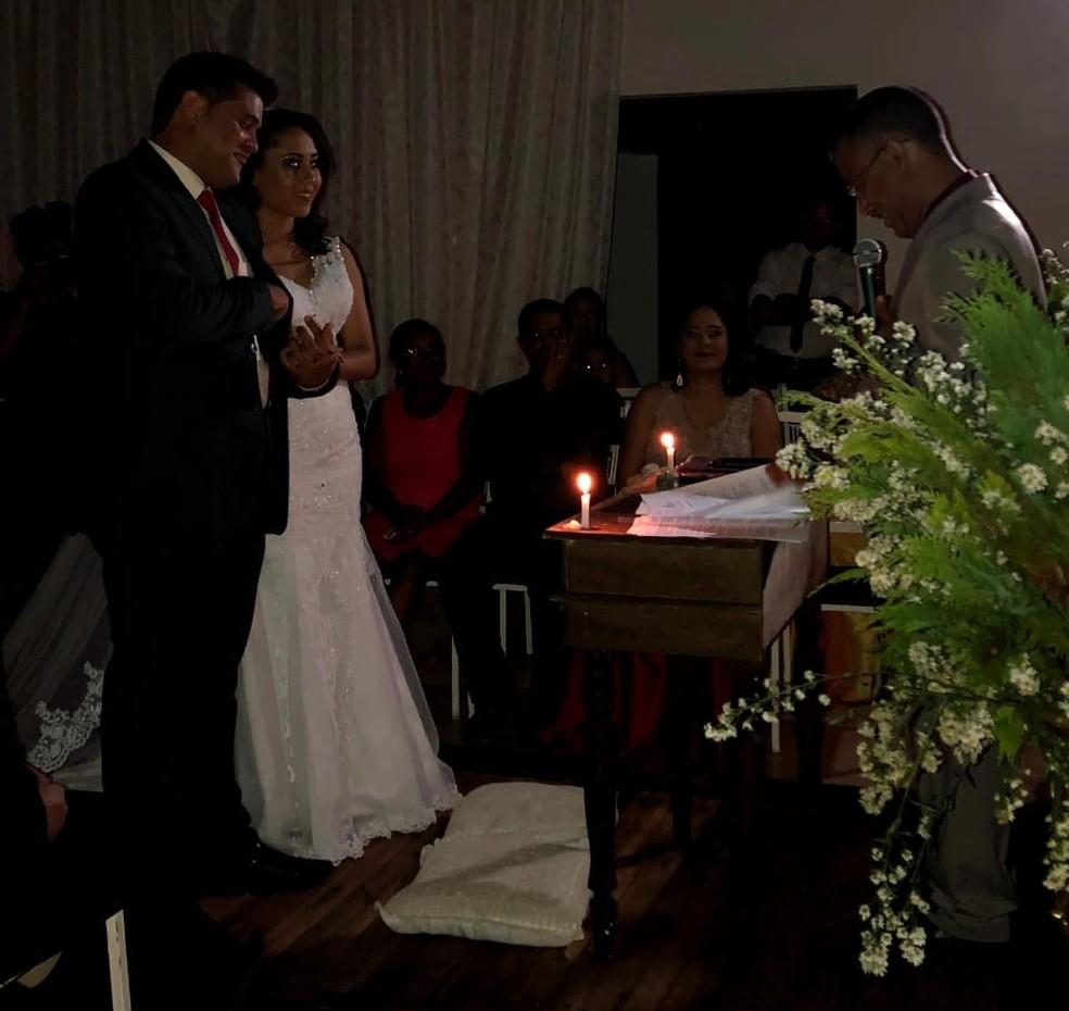 Casal é indenizado por falta de energia durante casamento — Foto: Arquivo pessoal/Hillary Silva