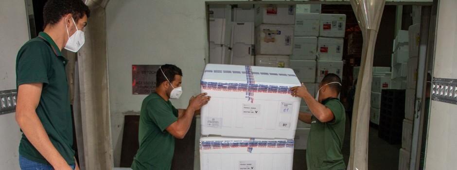 Vacina contra Covid-19: mais de 37 mil doses são distribuídas pelo Estado para municípios do Centro-Oeste no 32º lote