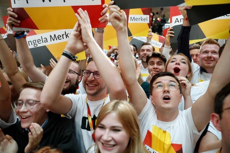 Pesquisa eleitoral aponta vitória de partido de Angela Merkel e derrota de social-democratas