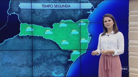 Segunda-feira será abafada e com previsão de pancadas isoladas de chuva em SC