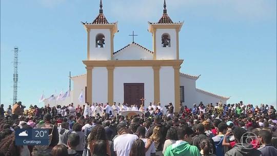 Milhares de fiéis clebram a Assunção de Nossa Senhora em Caeté, na Grande BH
