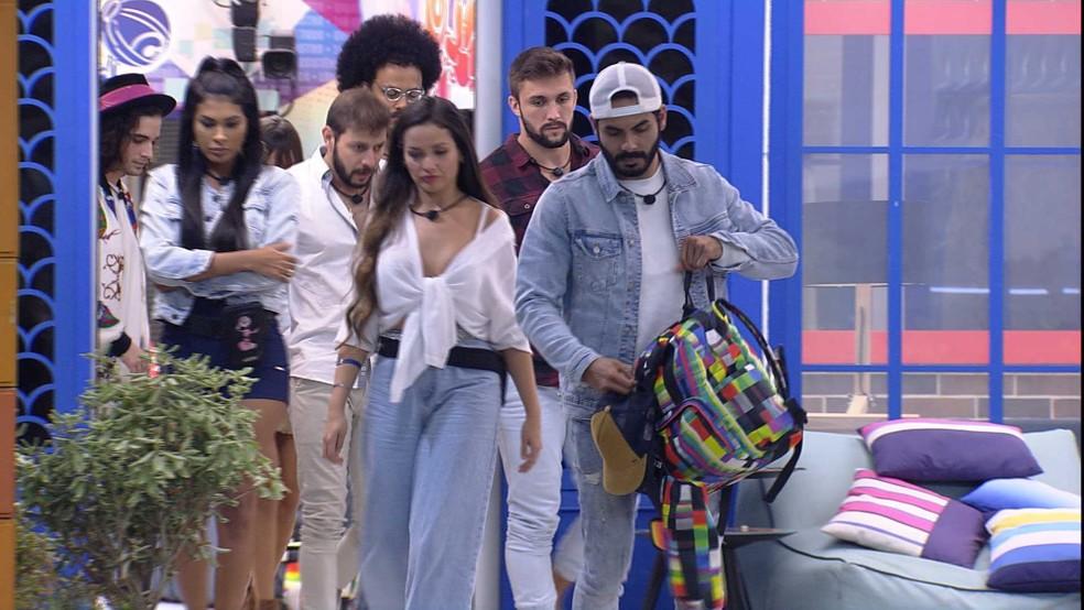 BBB21: Rodolffo sai da casa ao lado dos brothers — Foto: Globo