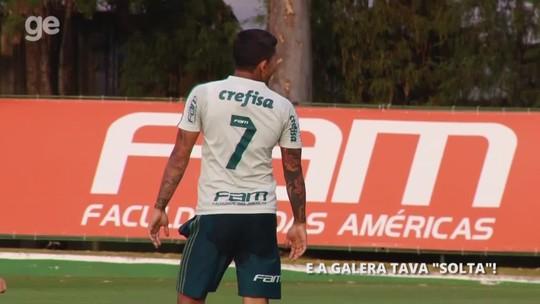 """""""Pega lá"""": Dudu tira sarro de goleiros do Palmeiras em treino de finalização; veja"""