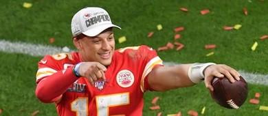 Mahomes renova com os Chiefs; contrato é o maior da história (Reuters)