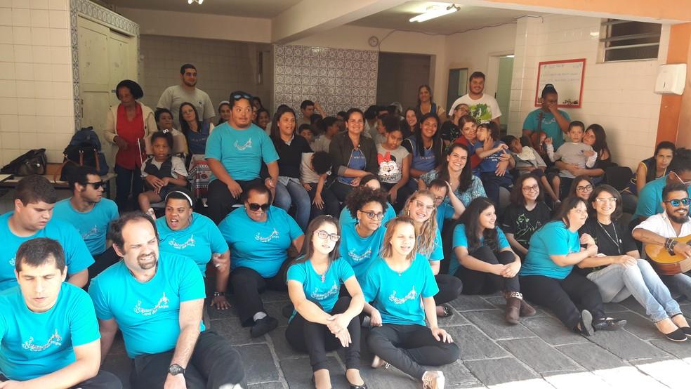 Alunos do Colégio Bom Jesus Canarinhos de Petrópolis, RJ, também participaram do encontro  (Foto: Prefeitura de Petrópolis/ Divulgação)