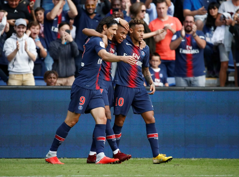 PSG de Cavani, Mbappé e Neymar nada de braçadas na França — Foto:  REUTERS/Christian Hartmann