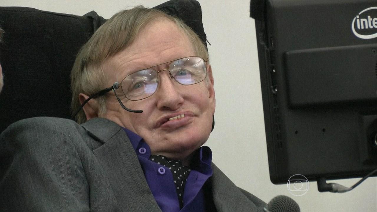 Stephen Hawking diz que robôs vão levar ao fim da espécie humana