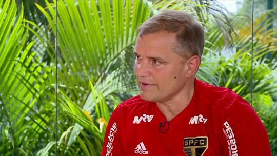 Diego Aguirre esclarece para os torcedores as situações no São Paulo