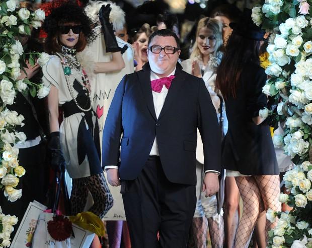 Desfile da Lanvin, março de 2010. Em que Alber Elbaz, diretor criativo da label francesa recrutou diversos nomes de peso do mundo da moda para subir na passarela (Foto: Getty Images)