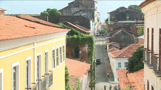Casarões ameaçam desabar em São Luís
