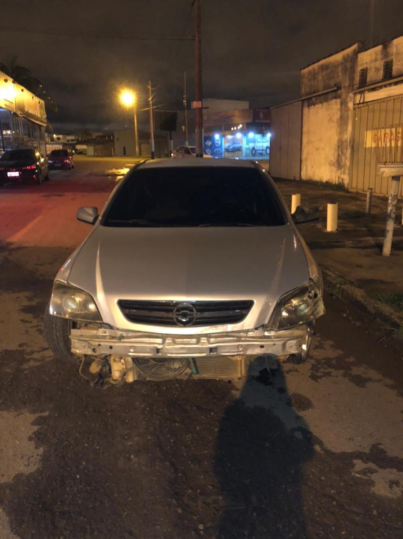 Carro conduzido pela jovem sem habilitação teve o para-choque arracando — Foto: Arquivo pessoal