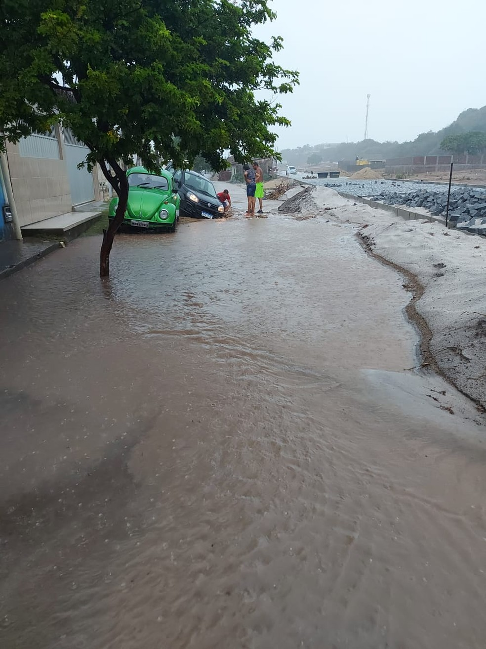 Tempestade caiu entre final da madrugada e início da manhã em Baía Formosa, no RN. — Foto: Redes sociais