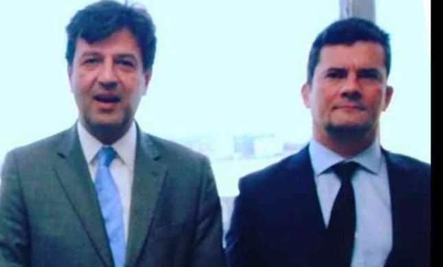 O ex-ministro da Saúde Henrique Mandetta postou foto com e o ex-ministro da Justiça Sergio Moro em sua rede social