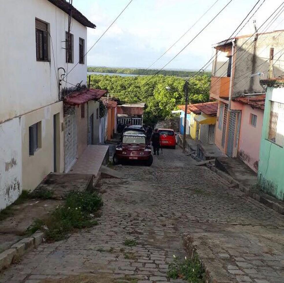 Bombeiro foi espancado dentro da casa de um parente no bairro Nordeste, na zona Oeste de Natal. (Foto: PM/Cedida)