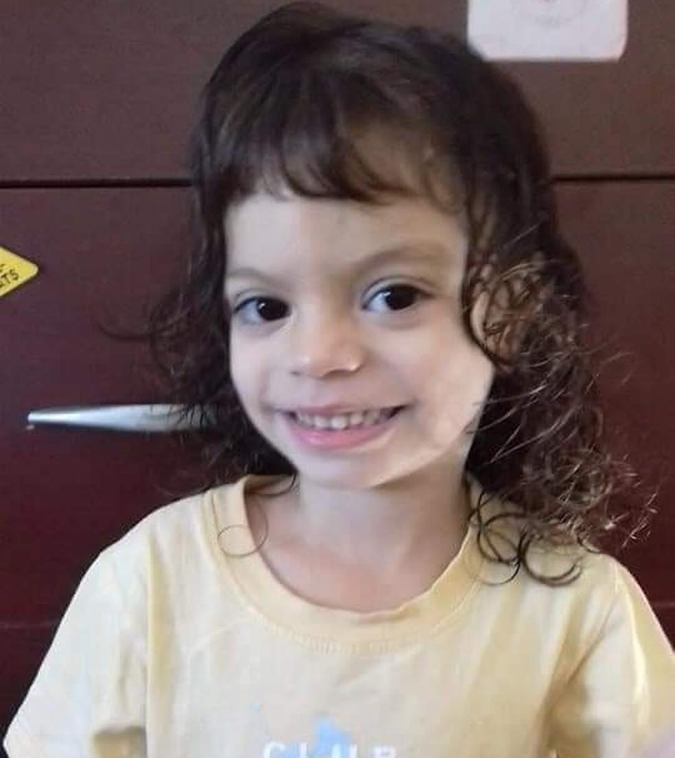 Giovana Guedes Martins, de 4 anos, de Ourinhos, foi picada quando vestia uma blusa de frio — Foto: Arquivo Pessoal