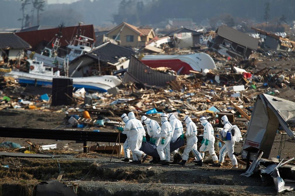 Terremoto seguido de um tsunami devastou a região de Fukushima em 2011 — Foto: Hiro Komae/AP