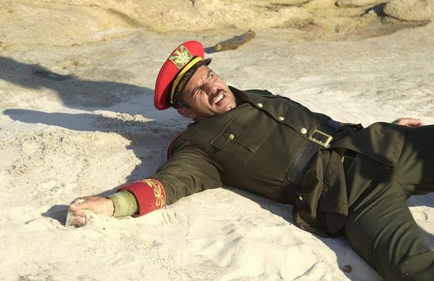 Em agosto de 2003, Humberto Martins se afastou da trama devido a problemas pessoais. Seu personagem foi dado como morto. Dois meses depois, ele retornou à história (Foto: TV Globo)