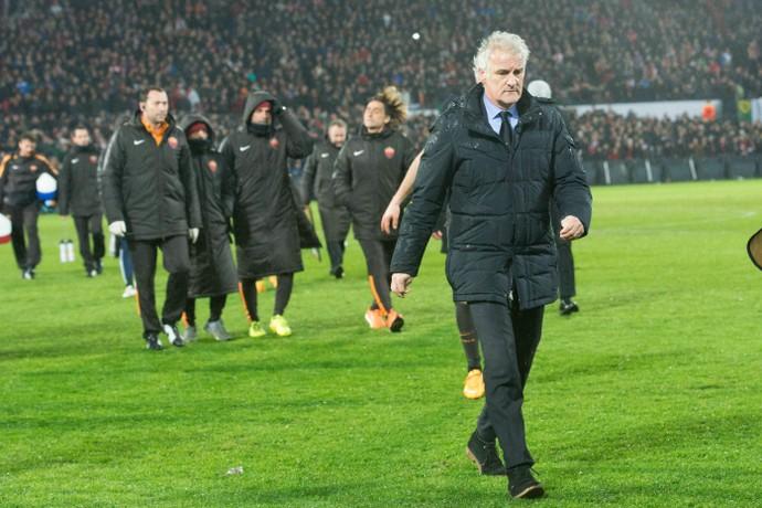 Fred Tutten técnico Feyenoord Roma (Foto: AP)