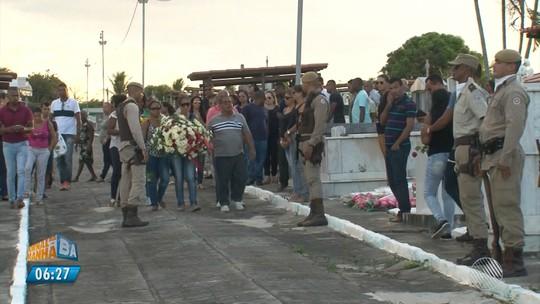 Sob comoção e homenagens, PM baleado na cabeça durante assalto em praça de pedágio é enterrado