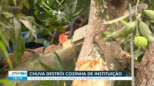 Chuva destrói cozinha de instituição em Manaus