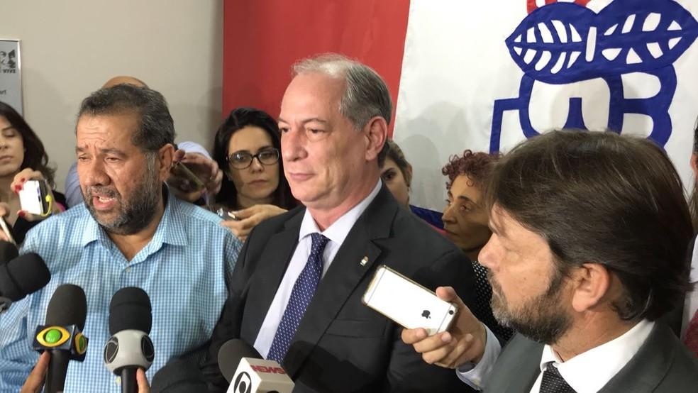 O ex-governador do Ceará Ciro Gomes (centro), em evento do partido. (Foto: Gustavo Garcia/G1)