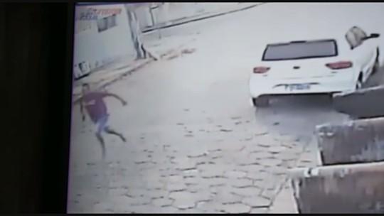 Adolescentes foram baleados em SP enquanto brincavam com cão; vídeo