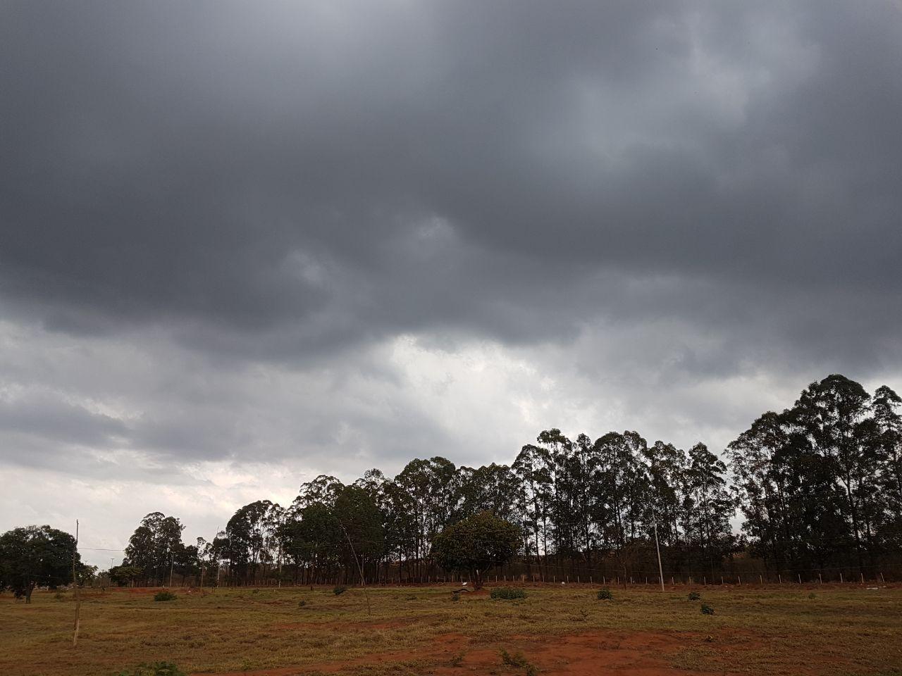Volume de chuva diminui, e reservatórios de água voltam a cair no DF