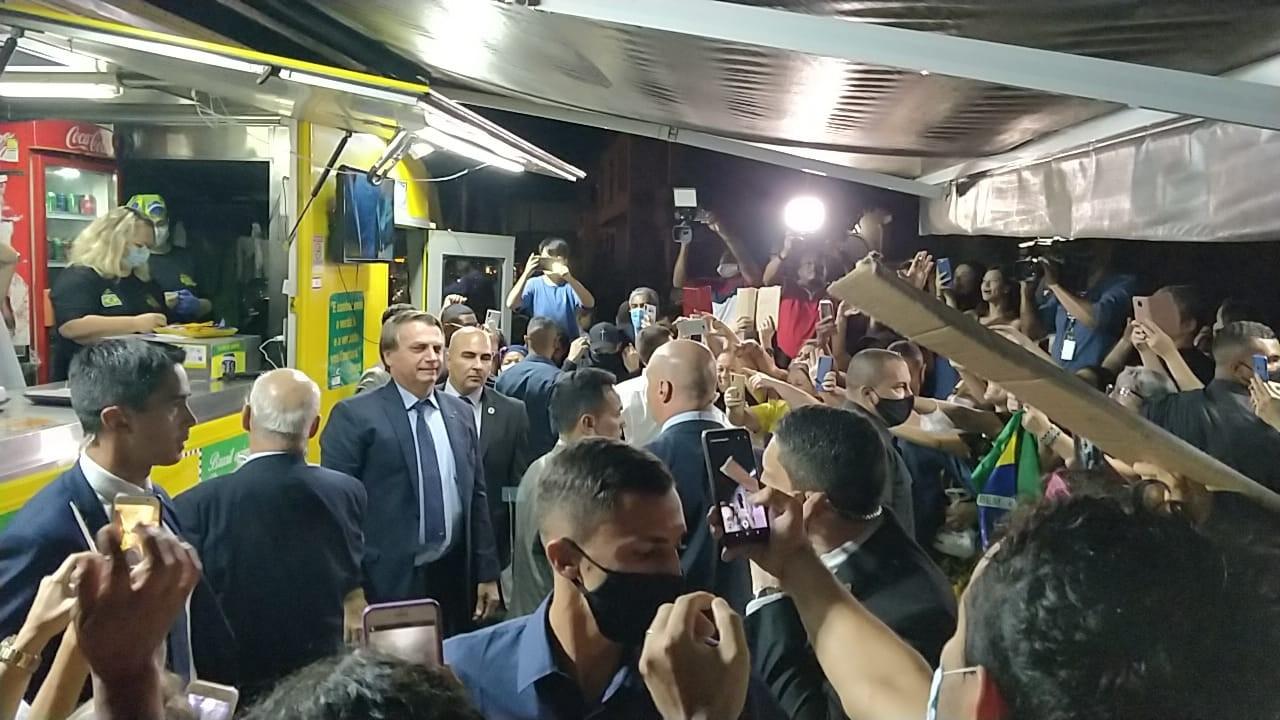 Bolsonaro chega a Resende para formatura de cadetes na Academia Militar das Agulhas Negras