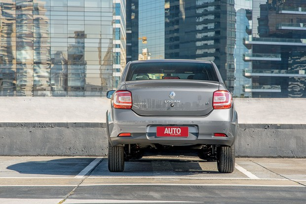 Renault Logan Iconic (Foto: Marcos Camargo/Autoesporte)