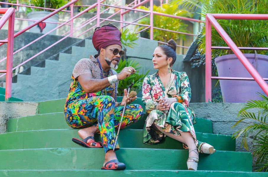 Carlinhos Brown ajuda Gloria Estefan a trazer 'Magalenha' para o 'fogão' latino do álbum 'Brazil 305'