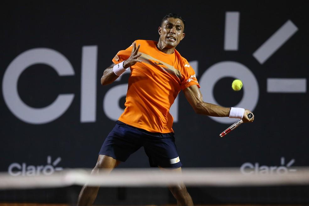 Thiago Monteiro contra Guido Pella no Rio Open — Foto: Fotojump