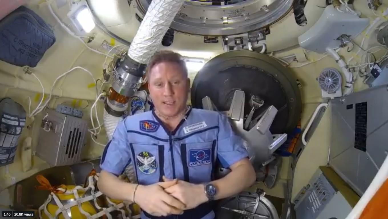 Sergey Prokopyev fala sobre buraco na Estação Espacial Internacional em vídeo (Foto: Reprodução/Twitter)