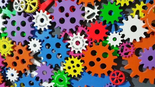 Criatividade - inovação - ideia - raciocínio - decisão - cor - motor - engenho - prática - decisão - engrenagem - criar  (Foto: Pexels)