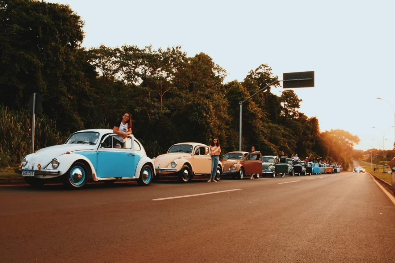 Donas de Fuscas criam clube em Foz do Iguaçu: 'O amor pelos carros antigos também é nosso, não só dos homens'; FOTOS