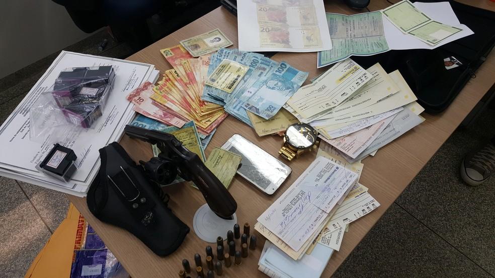 Homem tinha programa de falsificação de notas (Foto: Pâmela Fernandes/G1)