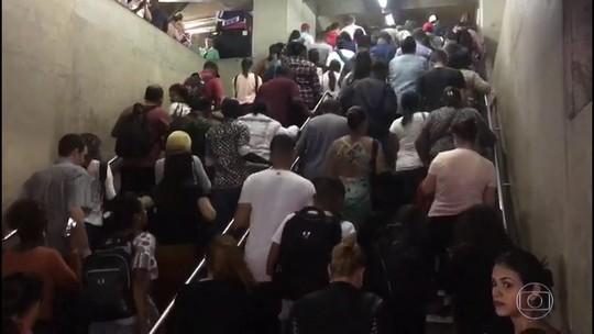 Falha no Metrô de SP foi causada por botões de emergência acionados, diz companhia